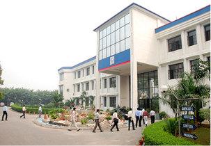 Graduate School of Business and Administration in uttar pradesh