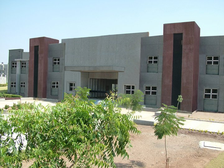 R K College of Business Management in Gujarat
